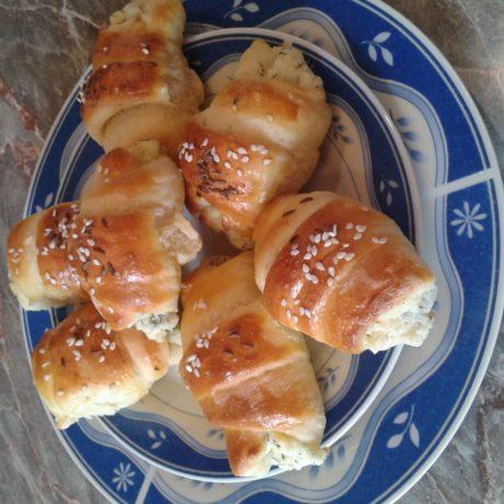 Kapros túrókrémes croissant