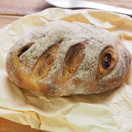 Teljes kiőrlésű fügés-diós kenyér